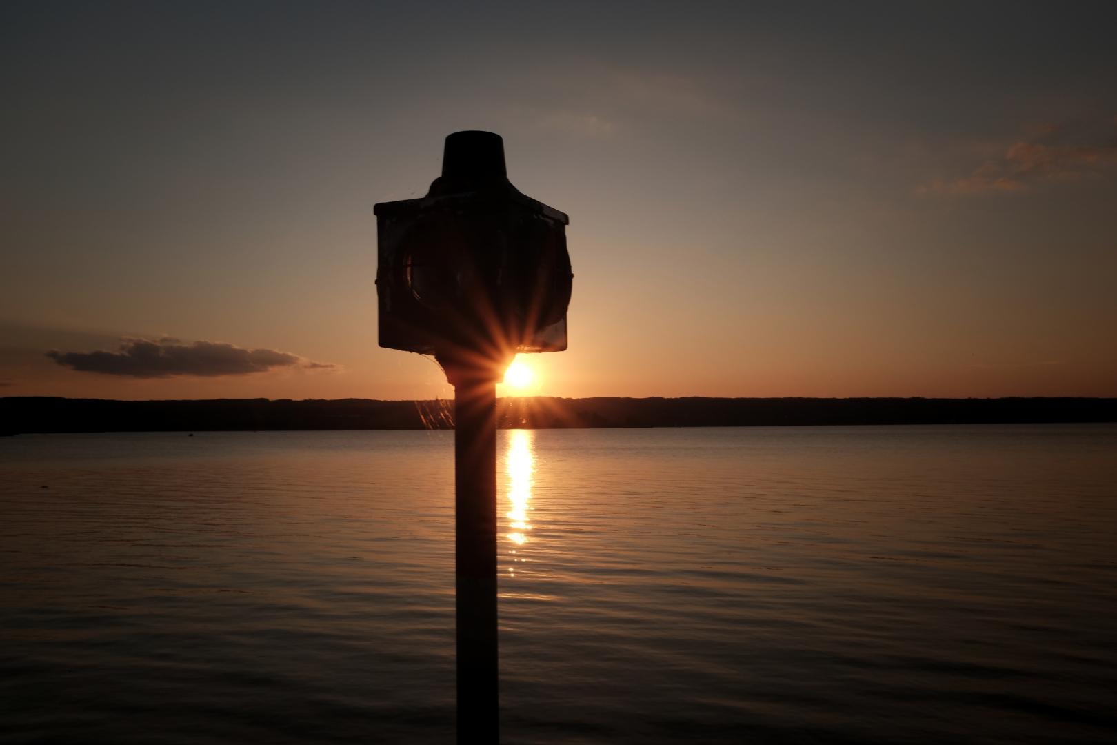 Sunset mit Leuchtfeuer